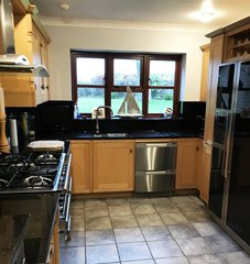 Existing fitted kitchen